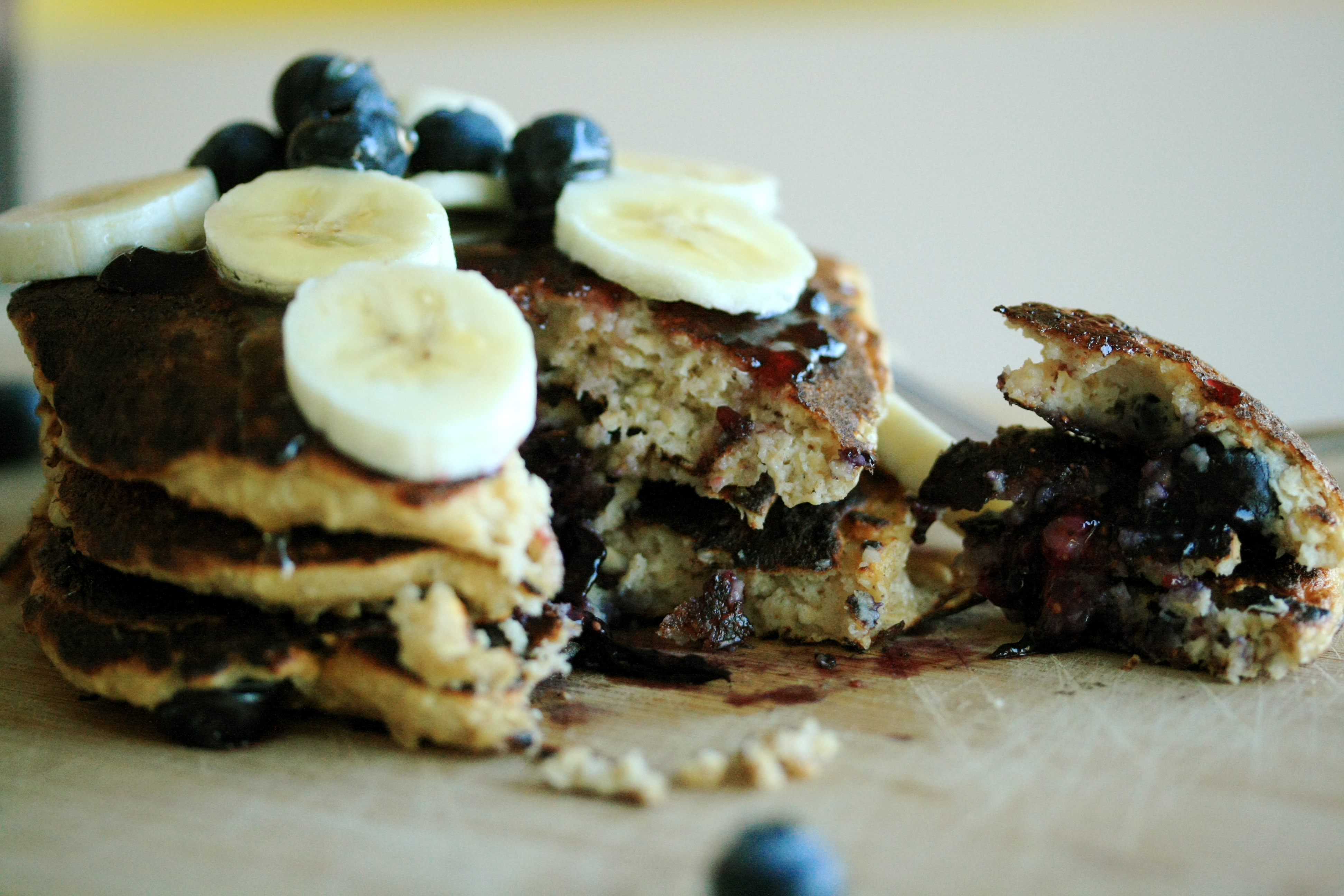 Blueberry Oatmeal Cottage Cheese Pancakes
